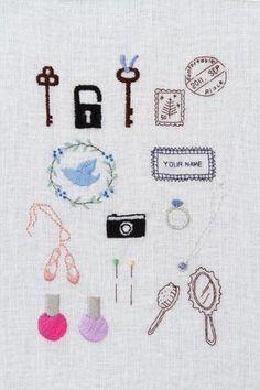 鍵やカメラなどは男子にもぴったり。    スタンプはシンプルなのに可愛いアイディア。    Beautiful traditional Japanese embroidery. Found this handmade piece on a Japanese blog. See my review of a sashiko sewing book at http://www.sewinlove.com.au/2013/05/23/japanese-sashiko-patter-book-review-%E3%81%AF%E3%81%98%E3%82%81%E3%81%A6%E3%81%AE%E5%88%BA%E3%81%97%E5%AD%90%E3%80%80%E3%83%AC%E3%83%93%E3%83%A5%E3%83%BC/