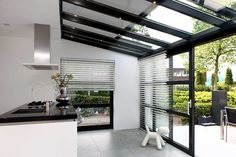 Modern Conservatory, Conservatory Extension, Room With Plants, Backyard Garden Design, Mudroom, Home Kitchens, Bungalow, Decoration, Home Improvement