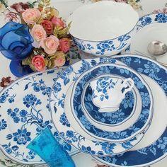 Alegre, tradicional e muito charmosa. Estamos encantados com a linha de porcelanas em estilo asiático que trouxemos para o Westwing. Que tal reinventar a mesa durante o próximo almoço? #decoração #porcelana #instahome #décor #mesaposta #westwingbr
