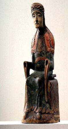 Närke, Mosjö. Aujourd'hui au Musée historique d'Etat, Stockholm (inv.nr. 7306). Sculpture en bois de feuillus. Auteur non identifié - n'a pas parallèles. milieu des années 1100. H.720 mm. Couleur : essentiellement conservé; peinture mince qui semble être peint directement sur la surface du bois - peut-être sur extrêmement mince anneau de Kred Mosjö Madonna est à tous égards unique -cf. Karlsson L 1995 page 256 . Dans l'église est une copie cherchant à reconstituer la couleur d'origine Madonna, Medieval Art, Romanesque, 12th Century, Religious Art, Art Techniques, Les Oeuvres, Sculpting, Gothic