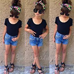Cute little girl fashion style *** ☻ ☻ ☻ Little Girl Outfits, Cute Outfits For Kids, Cute Little Girls, Fashion Moda, Cute Fashion, Kids Fashion, Cute Toddlers, Cute Kids, Look Short