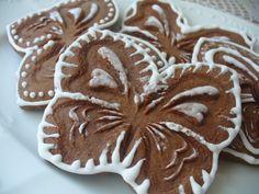 Iveta Hochmanová používá techniku vtlačování do keramické hlíny. Po vypálení se výrobek jen zatře oxidy a je hotovo. Vyzkoušela postup s příjemným výsledkem i na samotvrdnoucí hmotě. Hlína i hmota... Celý článek Cookies, Desserts, Food, Crack Crackers, Tailgate Desserts, Deserts, Biscuits, Cookie Recipes, Meals