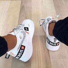 Teen Girl Shoes, Jordan Shoes Girls, Girls Nike Shoes, Nike Jordan Shoes, Cute Teen Shoes, Shoes For Teens, Jordan Sneakers, Nike Shoes Photo, White Nike Shoes