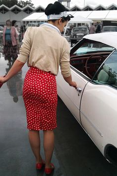 Love this skirt!  Need to diet to wear this adorable tight skirt!