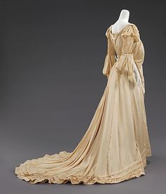 back of a 1903 American silk wedding dress - note the flowing sleeves