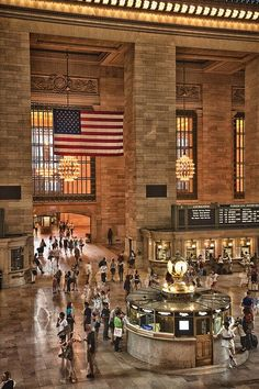 Tour America offer excellent value New York holidays. Trips to New York are action packed and exciting. Our NYC experts make booking New York easy. Silvester In New York, Florida Keys, New York City, Photo New York, Ville New York, I Love Nyc, Ny Ny, Belle Villa, Central Station