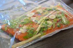 Du suchst ein neues Rezept für Lachs sous-vide? Dann wirf doch mal einen Blick auf diese Variante mit grünem Kokos-Curry - total lecker!