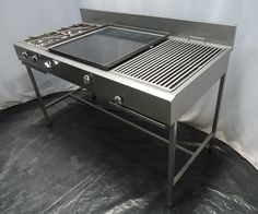 An outdoor kitchen can be an addition to your home and backyard that can completely change your style of living and entertaining. Food Cart Design, Food Truck Design, Grill Design, Restaurant Kitchen Equipment, Restaurant Kitchen Design, Commercial Kitchen Design, Commercial Kitchen Equipment, Kitchen Set Up, Stainless Steel Kitchen