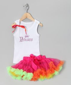 The next best thing to a fairy godmother's granted wish, this poufy pettiskirt covers little ones in easygoing glamour, swaying along as they twirl and never slipping thanks to an elastic waistband. A coordinating cotton tank with a sparkly graphic completes this fancy yet functional look.