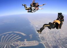 Sky Diving Dubai @ Dubai Marina