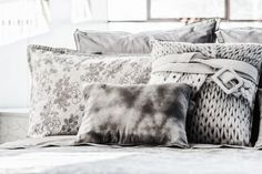 Iced Bloom - Decorative Pillowcases; Bed Linen