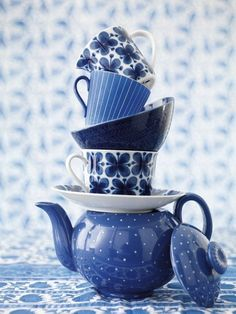 Blue teapot and teacups! I just really want a blue tea set you guys! Photo Bleu, Bleu Indigo, Everything Is Blue, Blue And White China, Teapots And Cups, Blue Aesthetic, Delft, Something Blue, Shades Of Blue