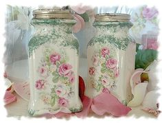 Decorated jars.