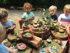 Provocations on the Playground - The Willow School Outdoor Learning Spaces, Outdoor Activities For Kids, Reggio Classroom, Outdoor Classroom, Outdoor School, Outdoor Fun, Outdoor Ideas, Play Centre, Outdoor Playground