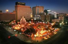 El Paso TX during xmas season ♡ beautiful plaza de Los lagartos ...
