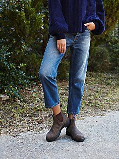 Blundstone Shearling Ankle Boot at Free People Clothing Boutique Blundstone Boots Women, Mode Outfits, Casual Outfits, Mode Ab 50, Free People Clothing, Slow Fashion, Pretty Outfits, Autumn Winter Fashion, Women's Shoes