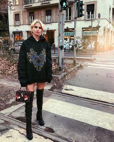 ✉️ carolinedaur@hotmail.com  FB: caro daur Snap: carodaurohnee  Berlin - next: Munich & Paris (Haute Couture) & New York City