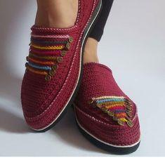 فروشگاه اینترنتی لوکس آرا | گیوه زنانه طرح سمرقند Flat Shoes, Shoes Sandals, Crochet Shoes, Sewing Patterns, Rustic, Knitting, Sneakers, How To Wear, Style