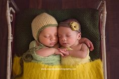 amman twin baby photographer, colorful newborn sessions, custom portraiture, newborn photography, twin boy and girl, yellow and green, antique vintage metal bed