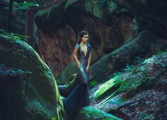 A young mysterious girl - a dark princess walks among the rocks. Gothic photosession theme of Halloween. Vampire Romance Books, Paranormal Romance Books, Howl At The Moon, Mother Goddess, Dark Photography, Covet Fashion, Light In The Dark, Old Things, Female