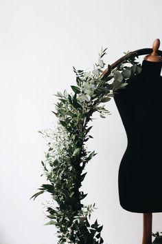 Handmade flower crown from Vienna. ❤ Exclusive custom made wedding crowns for brides ❤ Blumenkranz handgemacht in Wien anfertigen lassen. Handmade Flowers, Flower Crown, Flower Decorations, Wreaths, Bride, Detail, Wedding, Floral Wreath, Crown Flower