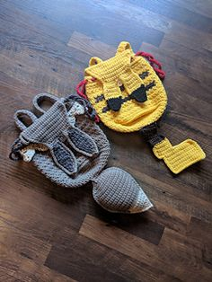 pattern by Margaret Welch 2019 Letss Go Backpacks featuring Pikachu and Eevee! The post Lets Go Backpacks! pattern by Margaret Welch 2019 appeared first on Yarn ideas. Pokemon Crochet Pattern, Pikachu Crochet, Kawaii Crochet, Cute Crochet, Crochet Patterns, Easy Crochet, Crochet Game, Crochet Gifts, Yarn Projects