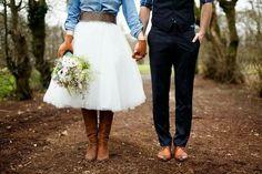 Spijkerbloes op trouwrok