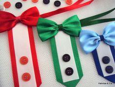 """Gravatas estilo """"smoking"""" (gravata borboleta e camisa), com fita para amarrar no pescoço.  Cores disponíveis: preto, vermelho, verde, azul, amarelo e laranja. Todas com acabamento em fita branca.    Disponíveis nos tamanhos:  - P: 3,8 x 9,5cm  - M: 3,8 x 12cm  - G: 3,8 x 15cm  Você pode escolher ..."""