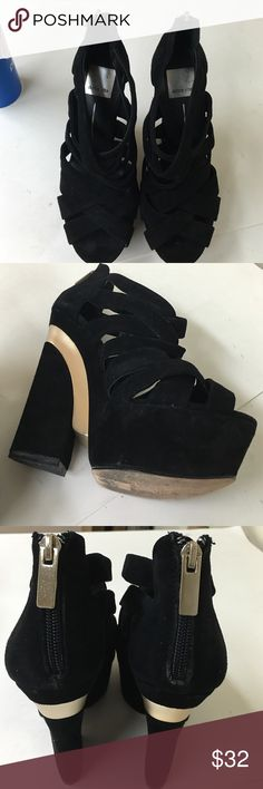 DOLCE VITA PLATFORM SHOES Awesome shoes ... Pre❤️ in excellent condition , used signs from normal wear . Dolce Vita Shoes Platforms