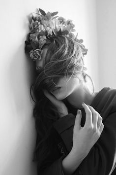 Creative Fotografia, Woman, Portrait, and Blackandwhite image ideas & inspiration on Designspiration Portrait Photography, Fashion Photography, Monochrom, Up Girl, Madame, Black And White Photography, Her Hair, Pose, Hair Beauty