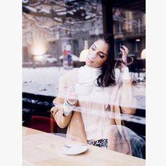 First, second...ok third, maybe fourth coffee ☕️️😝💫#blog #blogger #blogger_de #blogger_ch #swissmade #swissblog #winter #keepwarm #swissfashionblogger #ootd #swissfashion #miaandthemouse #lifestyle #lifestyleblogger #lifestyleblog #modeblog #modeblogger #fashionblog_ch #ootd