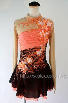 お花、ビーズ&ラインストーンで華やかにまとったお衣装!/大会用フィギュアスケート衣装/FRY-298オレンジ×黒/スケートコスチュームDD