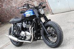 Triumph Bonneville T100 Brat Style by Hanse Qustom #motorcycles #bratstyle #motos   caferacerpasion.com