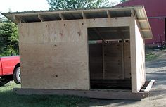 mobile goat shed pic (turn into dog kennel) Sheep Shelter, Goat Shelter, Horse Shelter, Goat Shed, Goat House, Mini Cows, Goat Care, Raising Goats, House Architecture
