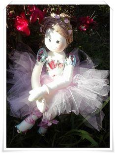 Boneca bailarina Ballet, Softies, Ballerina, Harajuku, Dolls, Christmas Ornaments, Holiday Decor, Crafts, Sarah Kay