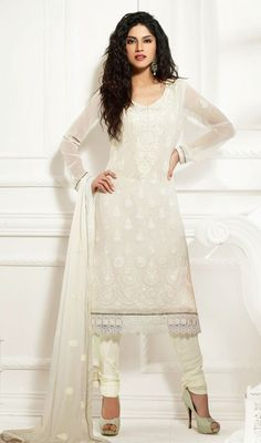 Strut around like a diva, sporting this off white faux georgette chudidar kameez. The ethnic lace, patch and resham work with a attire adds a sign of elegance statement for your look. Wedding Salwar Kameez, Wedding Sherwani, Buy Salwar Kameez Online, Kids Lehenga, Latest Designer Sarees, Bridal Lehenga Choli, Saree Shopping, Dress Collection, Indian Fashion