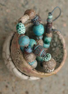 https://flic.kr/p/rsdkvT | Marika Akilova, The Blue Racu Beads