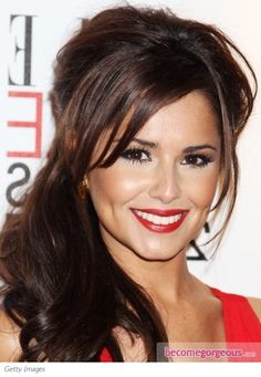 This classy red lip makeup proved to be a fail-safe solution for Cheryl to complement her fiery and hot dress. Sticking to all time favorite shades the young songbird and X Factor judge managed to keep her reputation as a trendsetter beauty icon.