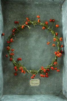 rosehips garland