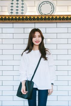 #mixxmix Ivory Empire Waist Blouse  (BVKV) - Airy with its loose fit, this ivory-colored blouse is a fuss-free casual item that you can wear for a sunny day. #mxm #hideandseek #has #365basic #bauhaus #koreanfashionstyle #girlsfashion #lovelywoman #juniorfashion #kstyle #koreangirls #streetfashion #twinlook #dailyoutfit #styling #youngcasual