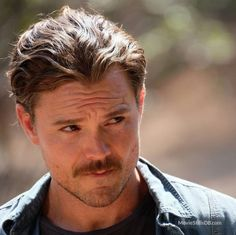 Lethal Weapon - Publicity still of Clayne Crawford. The image measures 960 * 959 pixels and was added on 20 October Lethal Weapon Tv Show, Cute Actors, Portraits, Famous Men, Boy Hairstyles, Attractive Men, Perfect Man, Gorgeous Men, Beautiful People