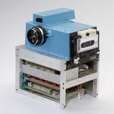 Kodak - the first company to come up with a digital camera in 1975 - has declared bankruptcy under Chapter 11.