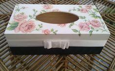 Chustecznik w róże - zdobiony metodą decoupage :)  więcej na mojej stronie na fb (DecoupageGallery) zapraszam! :)