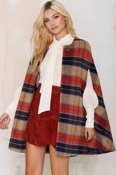 Get ready because this Kiley Plaid Cape is a showstopper. Moda Outfits, Fall Outfits, Cute Outfits, Fashion Outfits, Womens Fashion, Steampunk Fashion, Gothic Fashion, Mode Kimono, Cape Coat