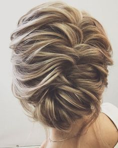 look unforgettable on the wedding day, whether you are looking for wedding hairstyles for bridesmaids,wedding hairstyles for medium length hair