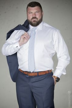 This would be an awesome disguise, by wearing a 'chubby guy' body suit, the wear the 'plus size' suit, shirt and tie over it and wear a 'fatter face' mask, in order to become his double. Big Man Suits, Big And Tall Suits, Mens Suits, Chubby Men Fashion, Tall Men Fashion, Muscle Bear Men, Outfits Hombre, Beefy Men, Plus Size Men