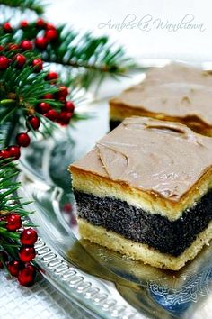 Arabeska: Makowiec na cieście ucieranym Polish Desserts, Polish Recipes, No Bake Desserts, Delicious Desserts, Yummy Food, Food Cakes, Cupcake Cakes, Sweet Recipes, Cake Recipes