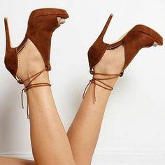 Shoe Game! #Shoes #heels #highheels #shoegame  https://instagram.com/p/BN_wVpoh8gB/