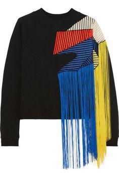 Christopher Kane Fringed Crochet-paneled Cotton-jersey Sweatshirt In Black Fashion Details, Diy Fashion, Ideias Fashion, Fashion Outfits, Womens Fashion, Fashion Design, Fashion Trends, Maisie Williams, Christopher Kane