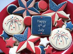of July cookies inspired by lonestarsandstripes and semisweet! Fourth of July cookies inspired by lonestarsandstripes and semisweet!Fourth of July cookies inspired by lonestarsandstripes and semisweet! Blue Cookies, Summer Cookies, Iced Cookies, Cut Out Cookies, Holiday Cookies, Cupcake Cookies, Halloween Cookies, Sugar Cookie Royal Icing, Biscuits